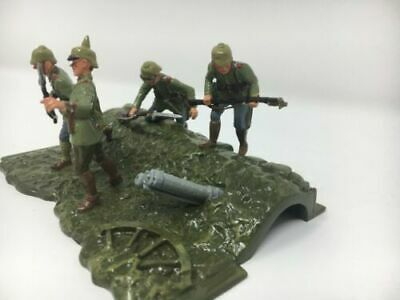 "BRITAINS # 41104 - WW1 GERMAN TRENCH ""OVER THE TOP"" 1914 - MIB - Never Opened"