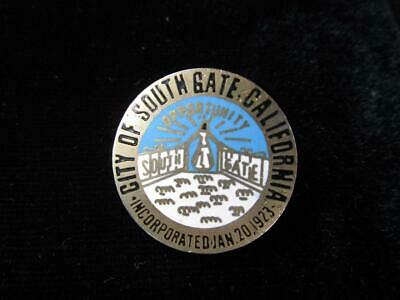 City Of South Gate >> Vintage City Of South Gate California Enamel Pin Back Button