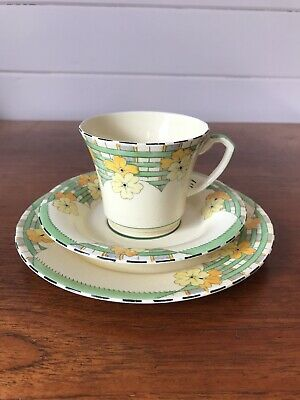 Vintage Crown Devon Fieldings Art Deco Trio of Cup Saucer and Plate Pattern 2757