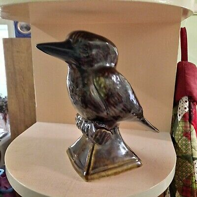 Vintage Mint Pottery Kookaburra made by David Hutchinson of Huntly Bendigo.