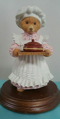 Kitchen Maid DEPT 56 down stairs bear figurine Mrs Bumble rules kitchen # 2010-9