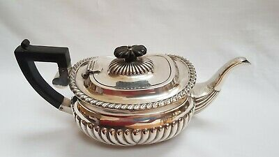 SUPERB QUALITY ANTIQUE EDWARDIAN SOLID STERLING SILVER TEAPOT  Birmingham 1904