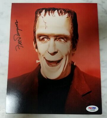 Munsters - Rare Authentic Fred Gwynne Autographed Color Photo as Herman PSA/DNA