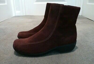 347a994189074f LADIES CLARKS BROWN suede leather wedge ankle boots size 5D - £7.99 ...