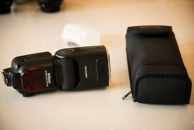 Nikon SB-900 AF Speedlight Flash - Near Mint, with Case and Batteries