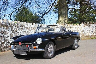 MGB Roadster 1974 . Restored, Soft top , Tonneau, and Hard Top