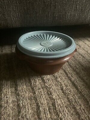 Vintage Tupperware Small Round Storage Bowl #1323 Containers w/ Lid