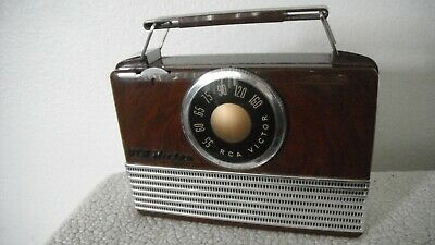 1950 RCA Victor Portable Tube Radio-Model B-411