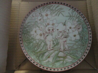1994  May Gibbs Bush Babies Collector Plate Pink Boronia Babies