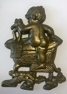 VINTAGE SOLID BRASS WALL PLAQUE BABY CLIMBING IN TUB w/FROG BATHROOM DECOR 9""