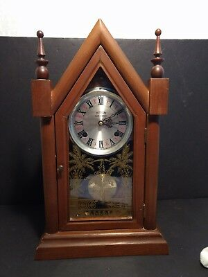 Vintage SOUTHERN CLOCK COMPANY Shelf or Mantle CLOCK Wood with Pendulum chimes