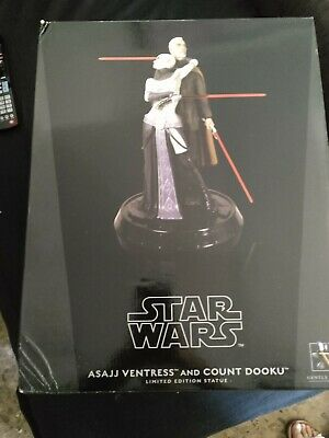 Asajj Ventress Count Dooku Statue Gentle Giant estatua Star Wars