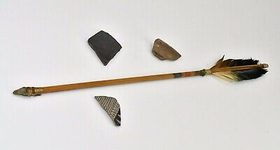 Authentic Native American Sioux  Indian Feather Arrow w Arrowhead Tip & Pottery
