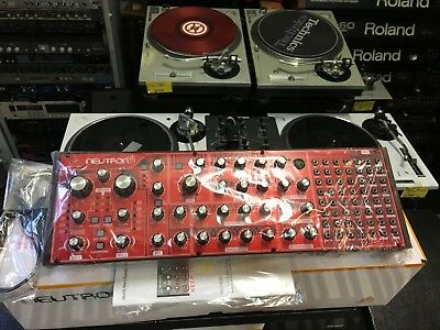 Behringer NEUTRON Paraphonic Analog Synthesizer Synth Module  in box //ARMENS//