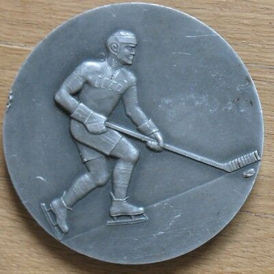 RUSSIAN Table Medal Hockey Ice Player Sport Ice USSR Olympic Champion Soviet Old