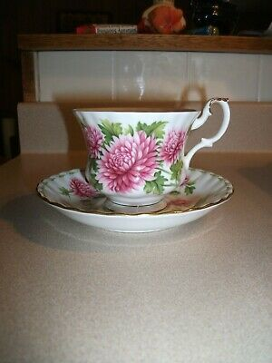 Royal Albert Bone China England Teacup&Sauc Flower Mo. November Chrysanthemums