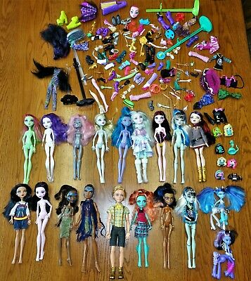 MONSTER HIGH & EVER AFTER HIGH DOLLS & ACCESSORIES lot 2