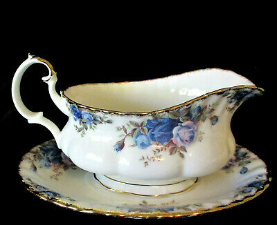"""ROYAL ALBERT  """"Moonlight Rose""""   Gravy Boat & Stand   Excellent Condition."""