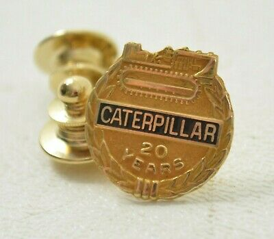 VINTAGE CATERPILLAR TRACTOR Co  Employees Badge # 33400 - $27 30