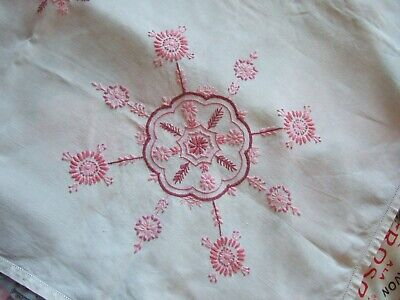 """PRETTY VINTAGE LINEN  HAND EMBROIDERED TABLECLOTH 40"""" x 40"""" Pink Floral"""