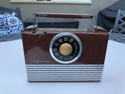 1950 RCA Victor Portable Tube Radio - Model B-411 Superheterodyne