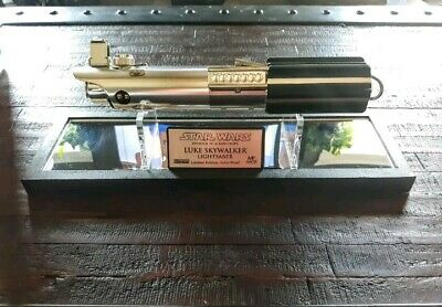 Star Wars ANH Luke Skywalker Lightsaber Master Replicas Style w/ Case & Plaque