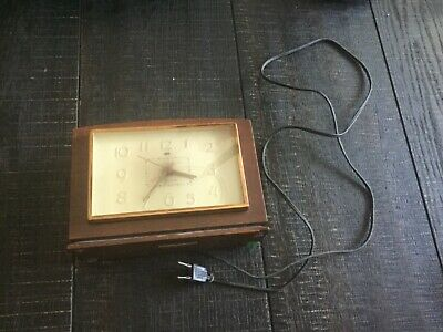 Vintage 1930s General Electric Alarm Clock Model 7H188 Wood Case Collectible