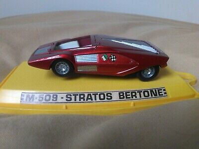 Antigua miniatura 1:43 Pilen M-509 Stratos Bertone. Made in Spain.