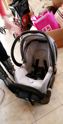 Maxi Cosi Capsule In good condition selling cheap $100