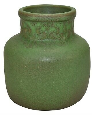 Van Briggle Pottery 1907-12 Matte Green Stylized Flowers Vase Ceramic Shape 696