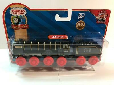 THOMAS THE TANK /& FRIENDS TRAIN 2009  RED LABEL **NEW IN BOX** WOODEN HIRO!