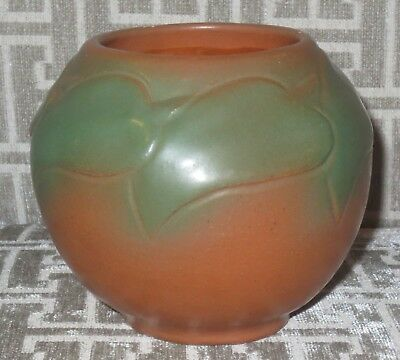 ☆ VAN BRIGGLE Art Pottery Vase #847 Philodendron Leaves 1920's Mountain Crag Brn