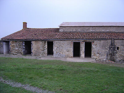 stone house in ruins with barn to extend, metal hangar, building land