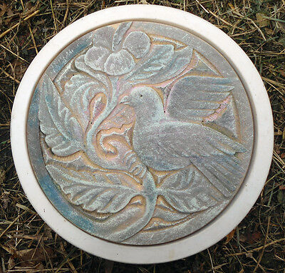 Bird / Dove stepping stone plastic mold concrete plaster mould