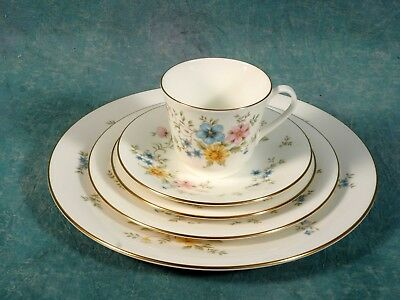 Royal Doulton Elegy 5 Piece Place Setting England NEW Make set for 8 10 or 12