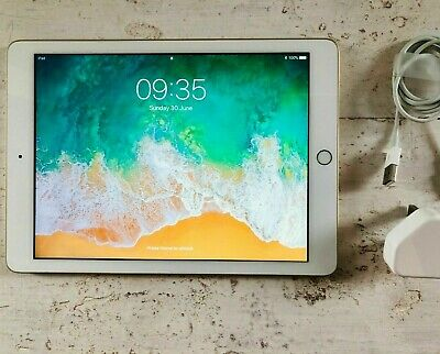 Apple iPad 5th Gen. 32GB Wi-Fi, 9.7in (Gold) in excellent condition