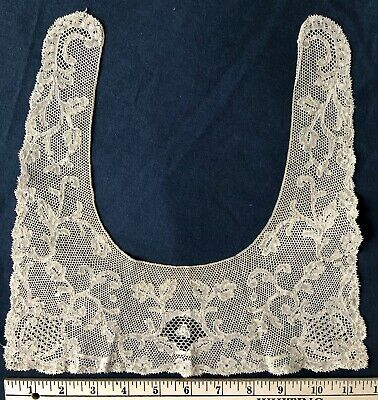 19th C. Point de paris square collar COLLECT COSTUME
