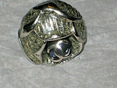 CHANEL 22 mm METAL CC LOGO SILVER SPARKLE NAVY BLUE PEARL BUTTON BROOCH PIN ROSE