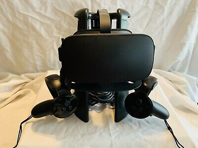 Oculus Rift CV1 3 Sensors, touch controls + stand and USB extension cable