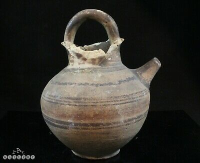 Cypriot Bichrome Terracotta Spouted Jug circa 600 BC
