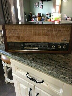 Grundig Radio VINTAGE 1950's AM/FM/SW Tube Radio model 4070U Stereo