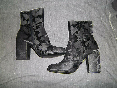5b7a43817d0 STEVE MADDEN GOLDIE Black Floral Brocade Fabric Heeled Ankle Boots Size 8  New