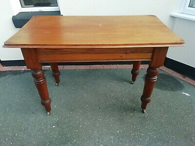Lovely Victorian pine farmhouse kitchen table