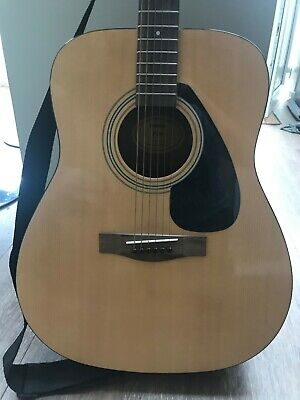 Yamaha F310 Acoustic Guitar Natural Gear4music Stand Bag