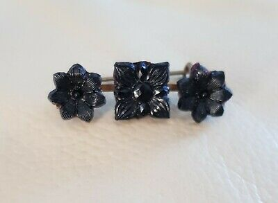 Victorian vintage antique carved 3 x Jet flowers brooch brass clasp, beautiful