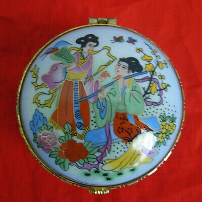 Chinese Porcelain lady cosmetic case Storage Box Three leg color women flower