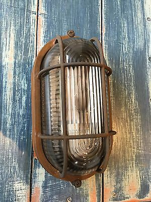 Retro Industrial Die-Cast Metal Vintage Bulkhead Wall Light Rusty Finish