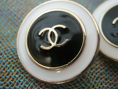 CHANEL 2 black white BUTTONS lot of 2 sz 18mm gold metal  cc logo, two