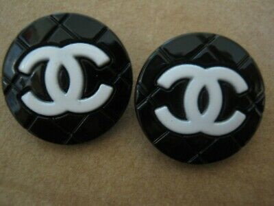 CHANEL 2 black white BUTTONS lot of 2 sz 18mm gold = cc logo, two