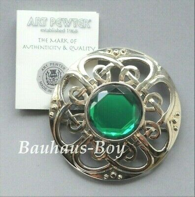 Art Pewter KILT PLAID BROOCH CULLODEN PIPER FAUX EMERALD MADE IN SCOTLAND BOXED